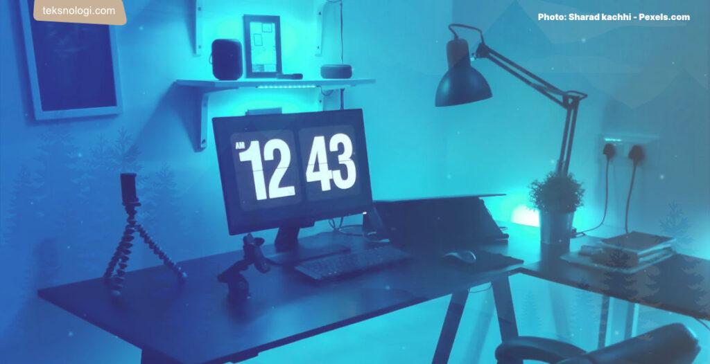 blue-light-sinar-biru-komputer-malam-hari