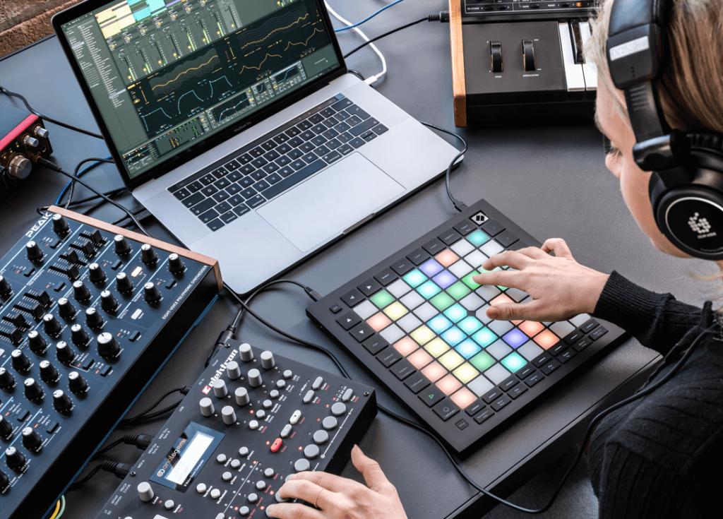launchpad-alat-untuk-buat-musik-dj-elektronik