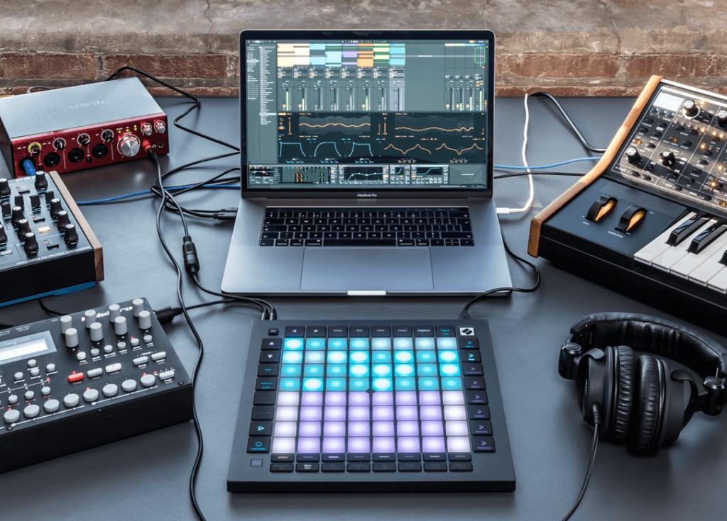 launchpad-alat-untuk-buat-musik-sendiri-seperti-dj-elektronik